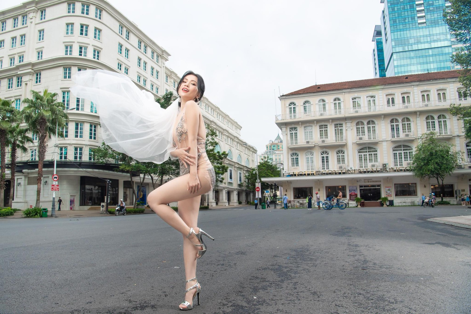 VOH-Si-Thanh-tung-anh-cuoi-sexy-phan-cam-6