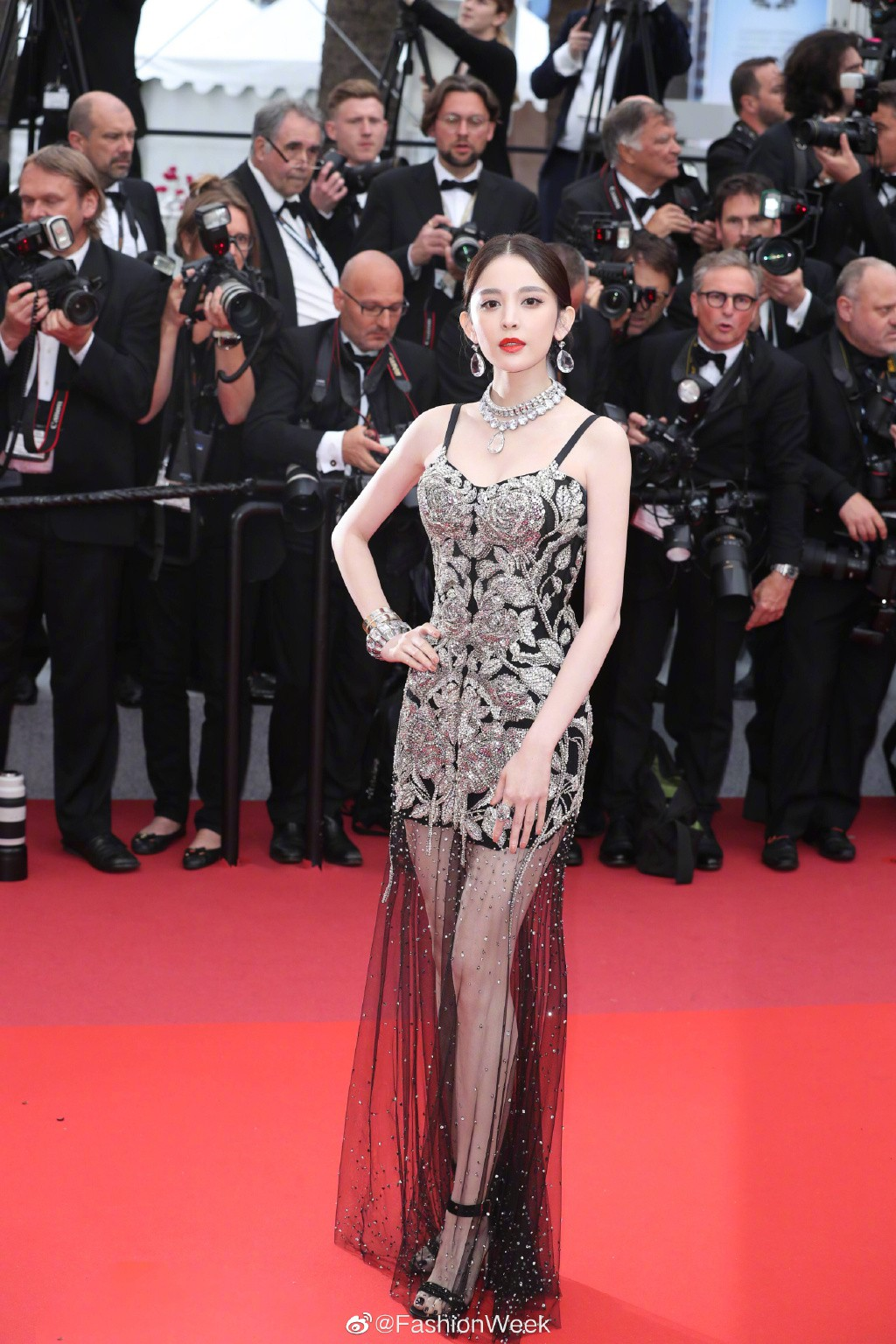 VOH-Cannes-2019-Co-Luc-Na-Trat-Ngoc-Trinh-8