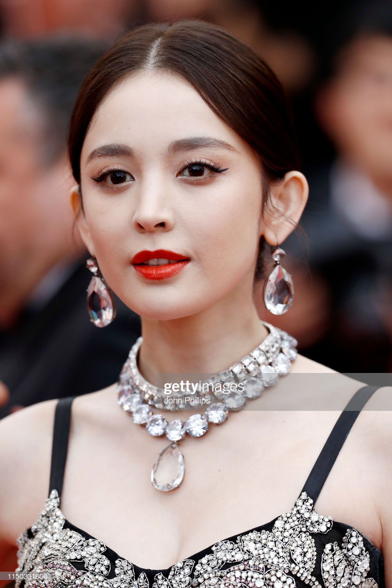 VOH-Cannes-2019-Co-Luc-Na-Trat-Ngoc-Trinh-7
