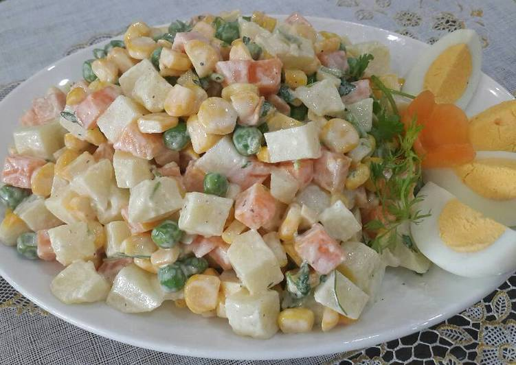 voh.com.vn-goi-y-cach-lam-salad-ngon-don-gian-tai-nha-anh-4