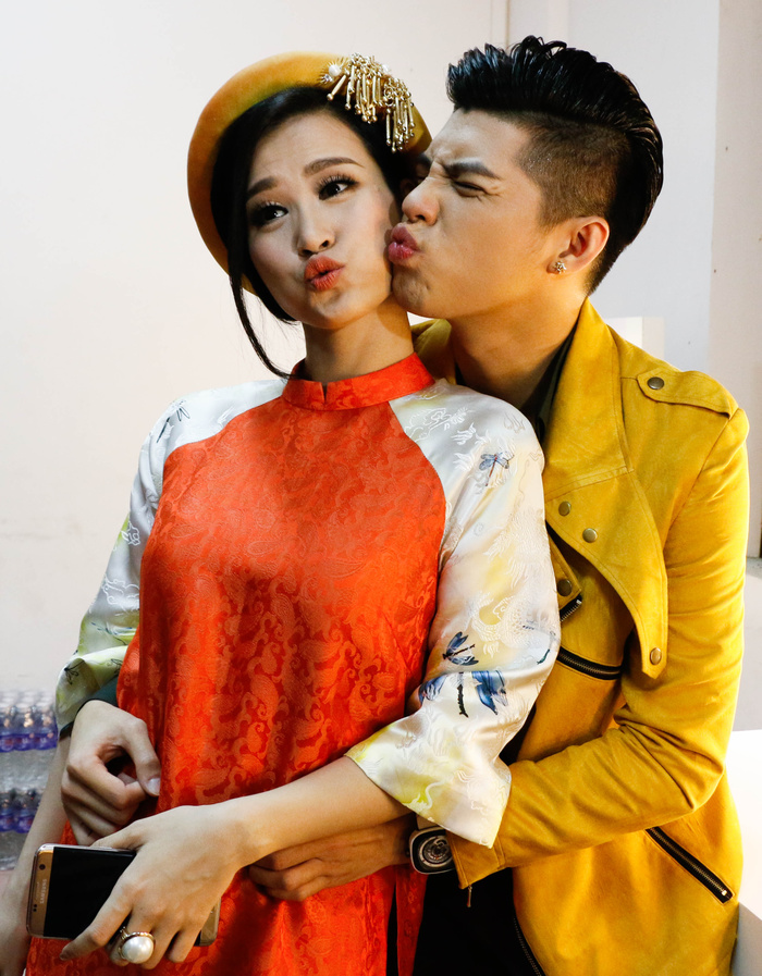 voh-dong-nhi-noo-phuoc-thinh-song-ca-giua-on-ao-xich-mich-voh.com.vn-anh6