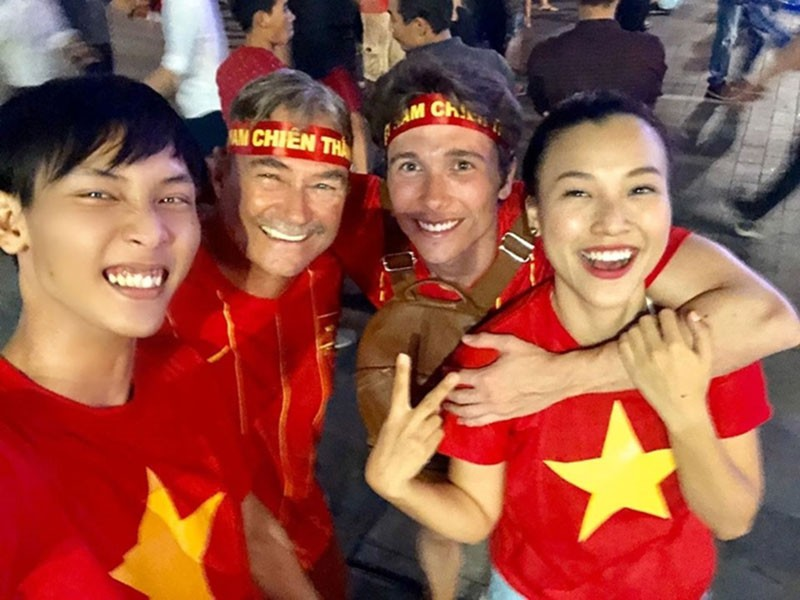 voh-sao-viet-an-mung-chien-thang-sea-game-30.voh.com.vn-anh41