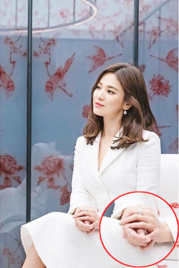 VOH-song-hye-kyo-nhan-cuoi-anh2