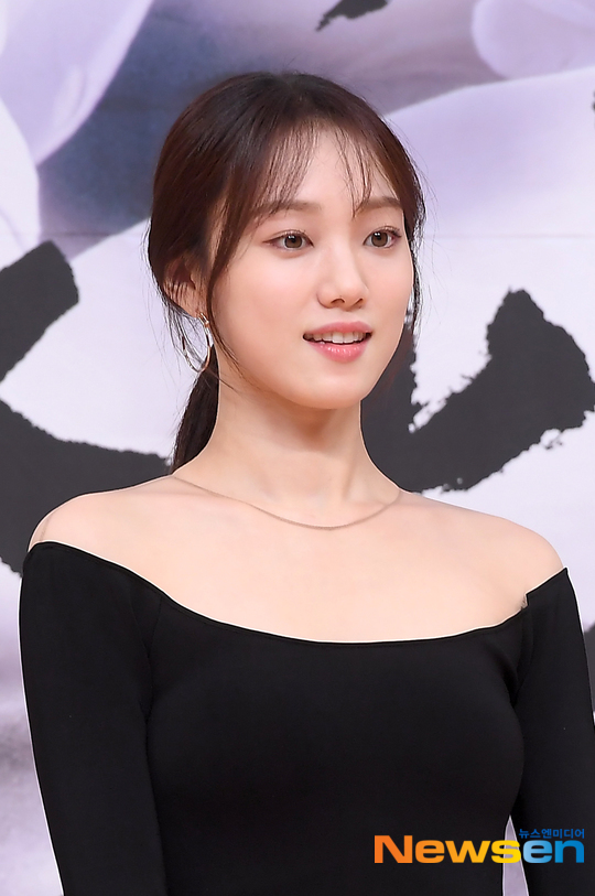 VOH-lee-sung-kyung-xinh-dep-anh5