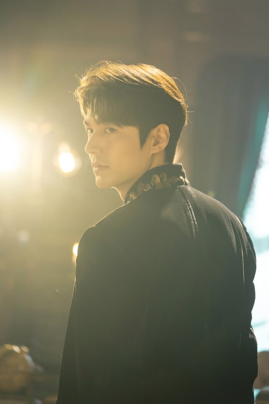 VOH-Lee-Min-Ho-The-King-Eternal-Monarch-anh3