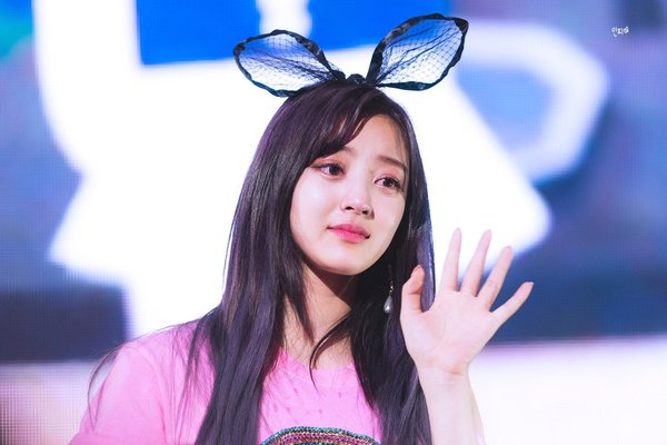 VOH-jihyo-twice-dang-anh-luc-be-anh8