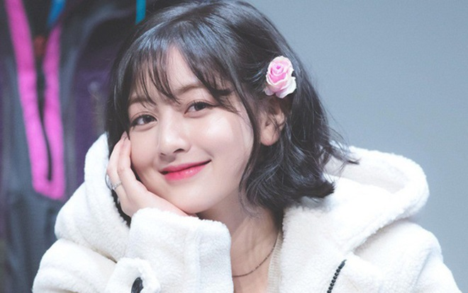VOH-jihyo-twice-dang-anh-luc-be-anh9