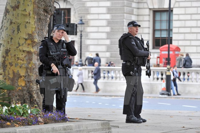 Cảnh sát Anh chống khủng bố
