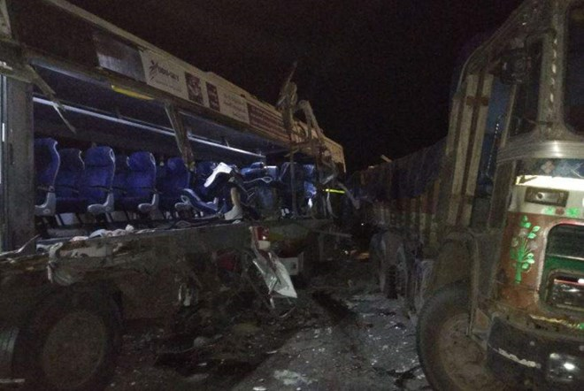 tai nạn xe buýt