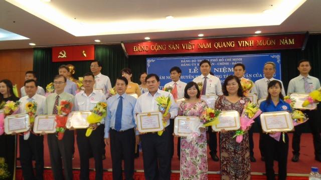 Các tập thể nhận được tuyên dương Dân vận khéo năm 2017 voh.com.vn