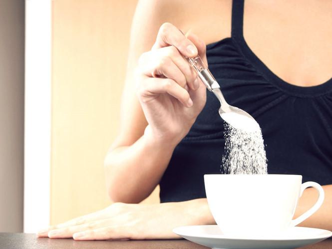 có nên uống cà phê trước khi ăn sáng