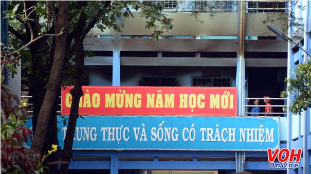 Cháy trường ở Tân Phú