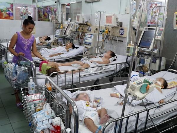Trẻ nhập viện vì sốt rét