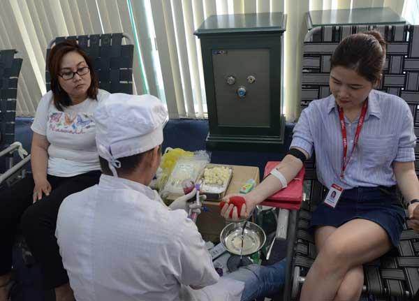 Nhân viên Maritime Bank tham gia hiến máu voh.com.vn