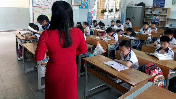 phụ huynh cần làm gì khi con bị thầy cô giáo đánh phạt