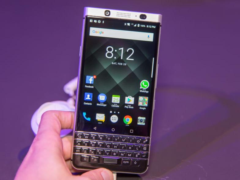 Blackberry, vi phạm, bản quyền