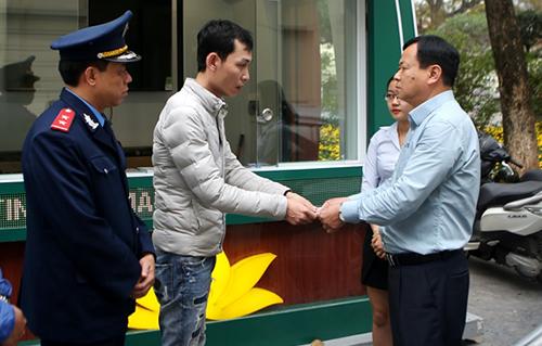 tài xế taxi, chặt chém du khách, cước taxi, thu cước sai quy định