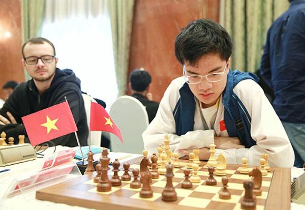 Giai-co-vua-hdbank-2018-Quang-Liem-van-con-co-hoi-bao-ve-ngoi-vo-dich