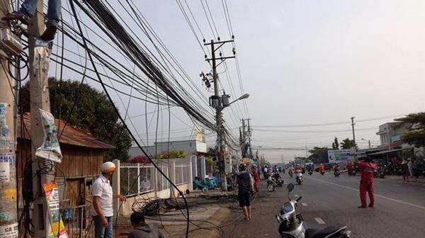 Cháy trụ điện QL28 - Hàm Thuận Bắc