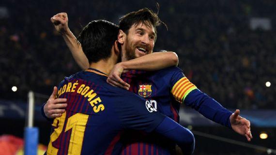 Lionel Messi ghi bàn vào lưới Chelsea