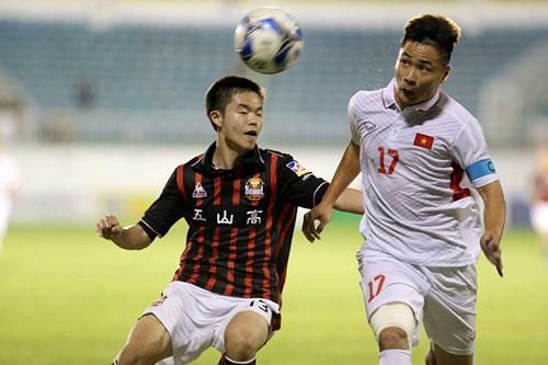 U.19 tuyển chọn Việt Nam (áo trắng) thắng FC Seoul phút cuối