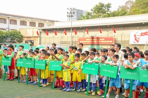 Bóng đá học đường