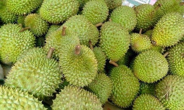Giá cả thị trường hôm nay 30/3/2018: Sầu riêng trái mùa giá cao, 130 - 150 ngàn đồng một kg