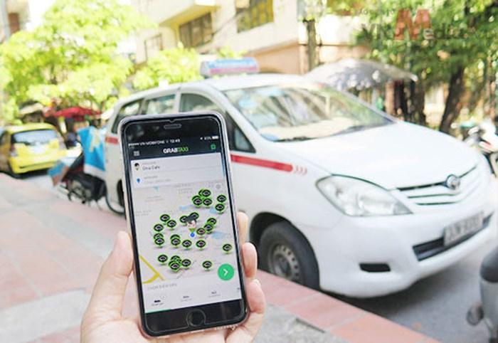 Taxi truyền thống rót tiền đầu tư công nghệ giành lại thị phần