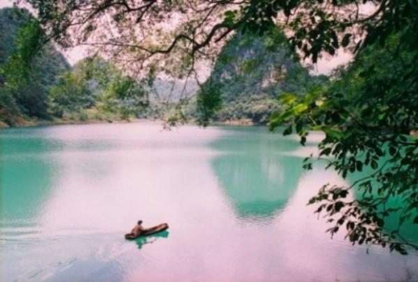 Hồ Thăng Hen thuộc quần thể Công viên địa chất Non Nước Cao Bằng
