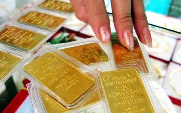 Giá vàng hôm nay 15/4/2018: Giá vàng trong nước vượt ngưỡng 37 triệu