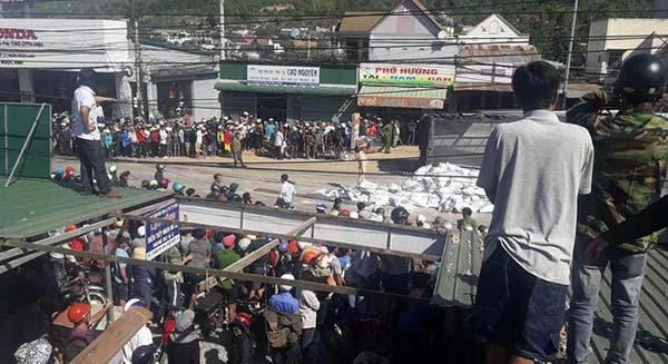 Tai nạn giao thông nghiêm trọng làm 5 người chết ở Lâm Đồng