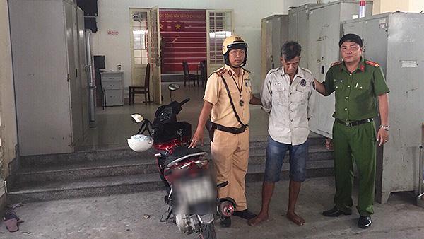 CSGT giúp dân tìm lại xe máy