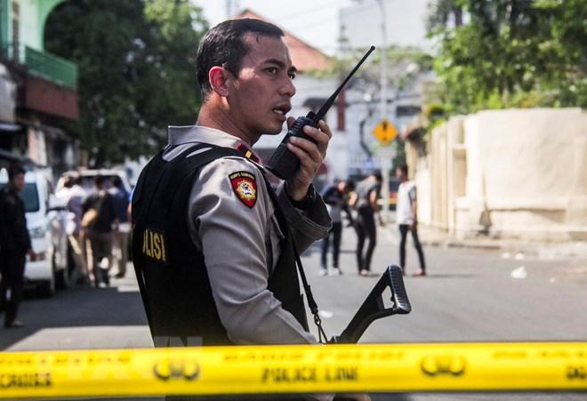 đánh bom nhà thờ ở Indonesia