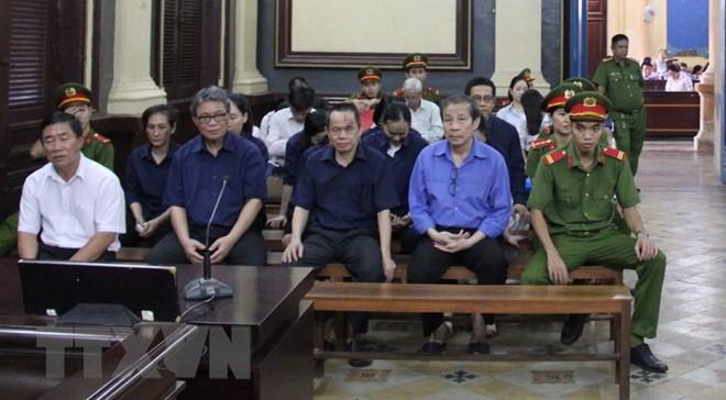 """Công ty con của Công ty Phương Trang từng chuyển tiền cho Vũ """"nhôm""""?"""