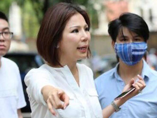 Bắt tạm giam vợ bác sĩ Chiêm Quốc Thái thuê người chém chồng