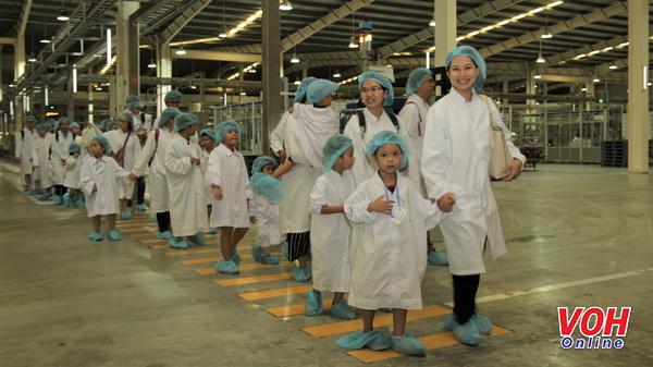 khám phá Siêu nhà máy sữa của Vinamilk