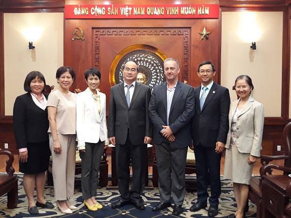 Đại học Arizona, Công ty TNHH Intel Products Việt Nam,