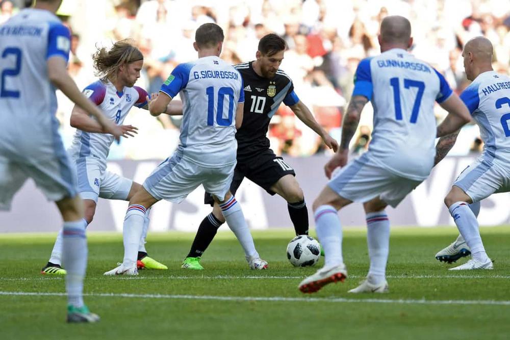 Messi gây thất vọng trước quả phạt đền.