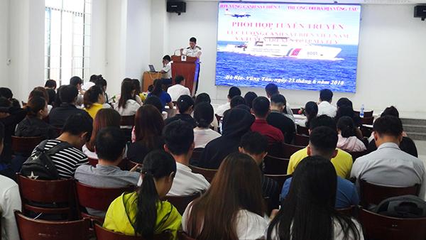 Quang cảnh buổi tuyên truyền phòng chống ma túy cho trường Đại học Bà Rịa – Vũng Tàu