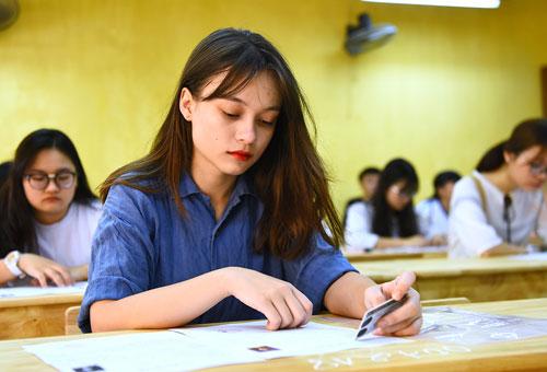 Hơn 900.000 thí sinh bắt đầu dự thi môn Văn trong kỳ thi THPT Quốc Gia 2018
