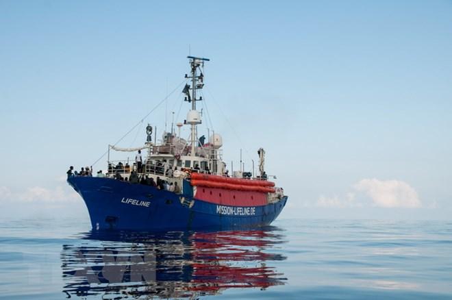 Italy cấm tàu của các tổ chức phi chính phủ cập cảng trong mùa Hè