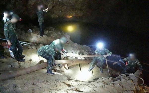 Thái Lan, đội bóng mắc kẹt trong hang