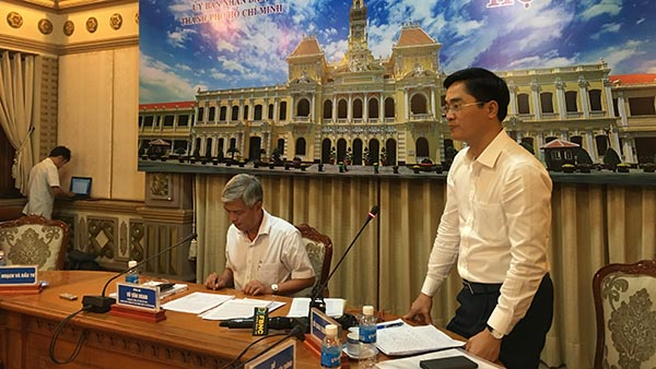 Ông Trần Quang Lâm – Phó Giám đốc Sở GTVT TP trả lời báo chí về sụt lún một đoạn nút giao Mỹ Thủy