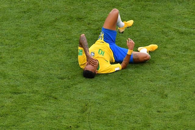 ăn vạ, phạm lỗi, World Cup