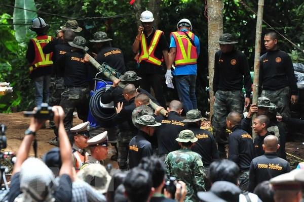 giải cứu đội bóng Lợn rừng, đội bóng thiếu niên, hang Tham Luang