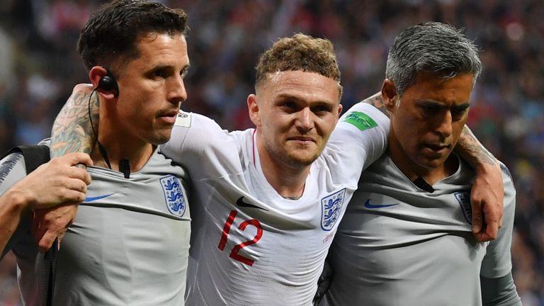 Kieran Trippier tuyển Anh rời sân do bị chấn thương tại bán kết World Cup 2018