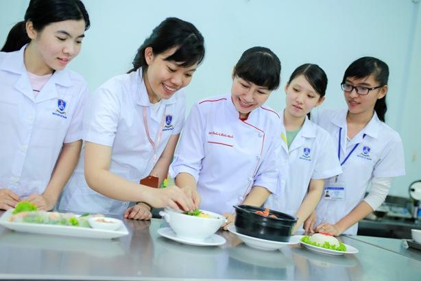 Điểm sàn, điểm xét tuyển, Đại học Nguyễn Tất Thành, tuyển sinh 2018
