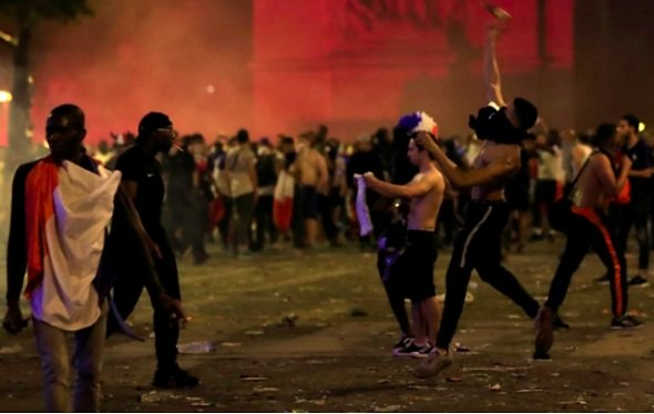 bạo loạn, Pháp, vô địch World Cup