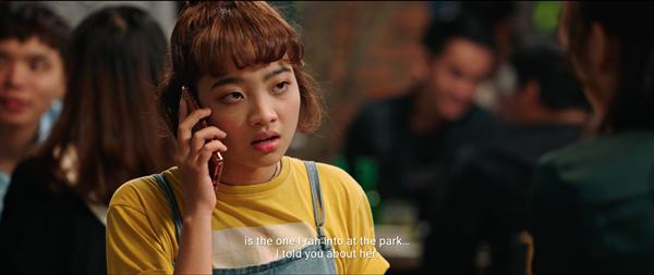 Một cô sinh viên Ngọc (Thanh Trúc) đang ở tuổi ẩm ương luôn bướng bỉnh và thích chống đối