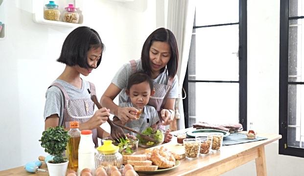 nấu ăn, để con vào bếp, học nấu ăn
